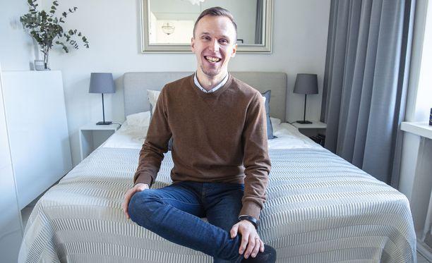 Joonatan Voltti tietää, että asunnon fiilis ja pienet yksityiskohdat vaikuttavat paljon vieraan vuokrauskokemukseen.