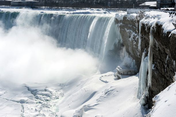 Niagaran putouksilla haisi viikonloppuna.
