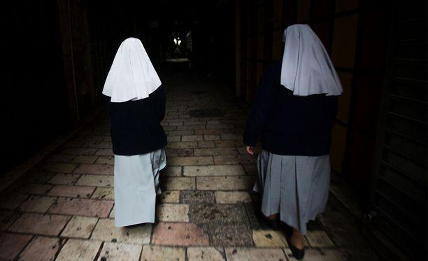 Irlannissa katolisten nunnien pyörittämissä Magdalena-pesuloissa tehtiin orjatyötä 74 vuotta.