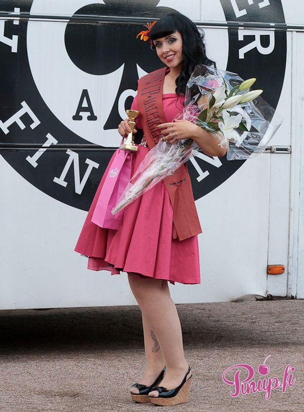 Pin up -mallikisan voittaja on Annika Koivusalo.