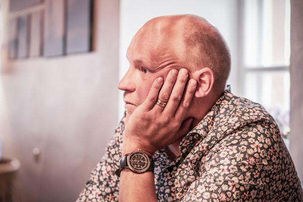 Kalle Palander puhuu Norjassa asuvasta tyttärestään.