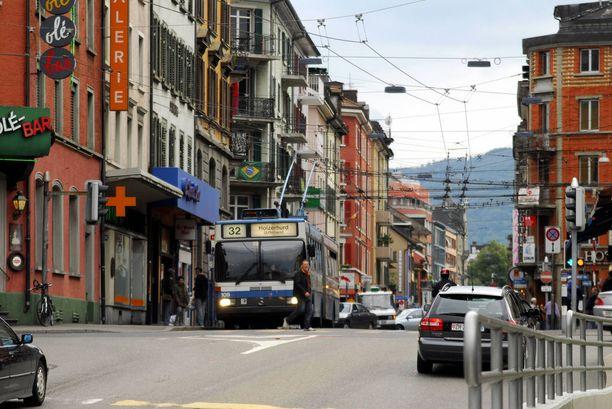 Lapsiperheet ovat löytäneet Zürichin Langstrassen asuinpaikkana.