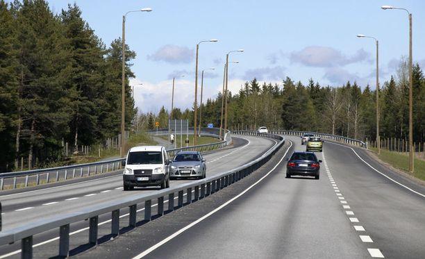 Useita nuoria on loukkaantunut juhannusyönä Liperissä ja Jyväskylässä. Kuvituskuva.