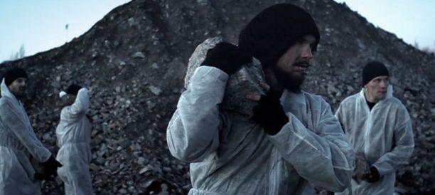 Black Light Disciplinen videon on ohjannut Jesse Jokela.
