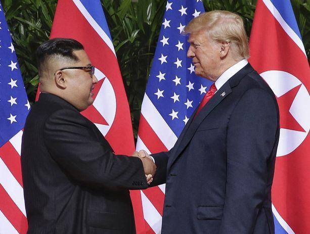 Kim ja Trump tapasivat Singaporessa 12. kesäkuuta viime vuonna.