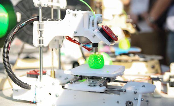 3D-tulostin luo esineen digitaalisen mallin pohjalta esimerkiksi muovista.
