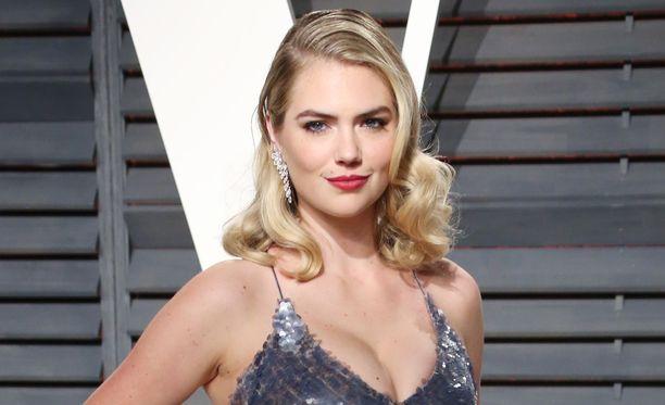 Kate Upton osallistui Vanity Fairin Oscar-juhliin viime sunnuntaina.