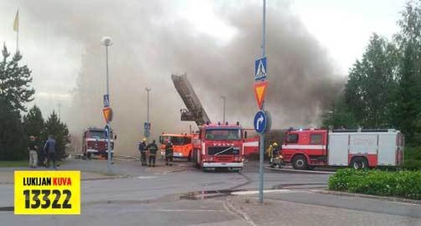 Tulipalo tuhosi pahasti rakennuksen, mutta vakavilta henkilövahingoilta vältyttiin.