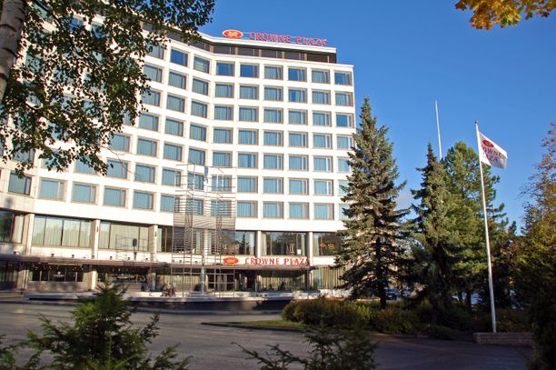 Crowne Plaza Helsinki Hesperia avattiin lokakuussa pitkään kestäneen remontin jälkeen. Sekä huoneet että muut tilat uusittiin.