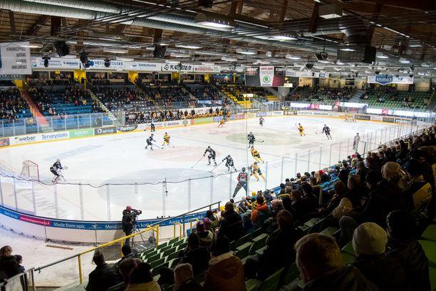 SaiPa pelaa kotiottelunsa Kisapuiston jäähallissa. Kuva tammikuulta.