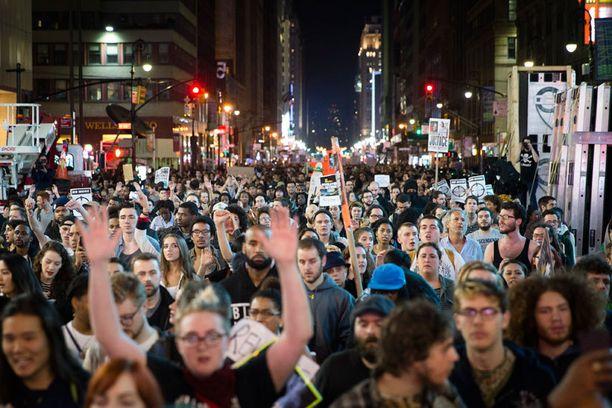 Seventh Avenue tukkiutui väen määrästä.
