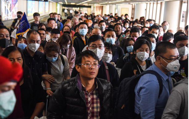 Koronavirus on vaatinut jo ainakin 80 uhria Kiinassa. Myös lisääntyneistä tartunnoista on raportoitu. Kuva Thaimaan Bangkokin lentokentältä 25.1.2020.