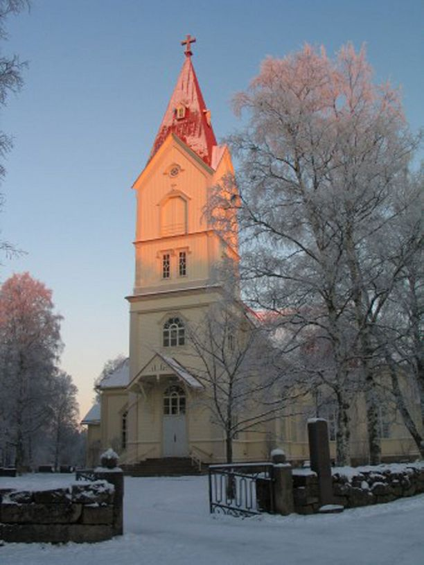 Kirkko kylpi auringonlaskun valossa joulukuussa 2007.