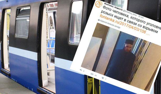Venäläinen uutissivusto Fontanka julkaisi kuvan mustaan pukeutuneesta, parrakkaasta miehestä, jonka epäillään asettaneen pommin metroon.