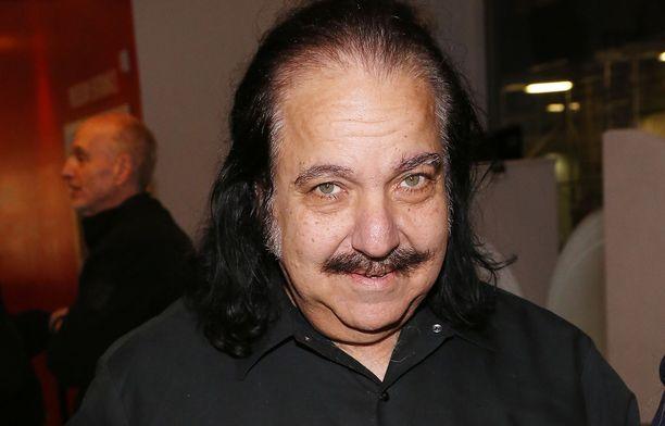 Ron Jeremyä vastaan on esitetty useampi syytös seksuaalisesta häirinnästä.