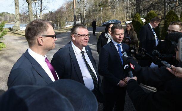 Hallituksen avainministerit kertoivat Kesärannassa puoliväliriihen annista.