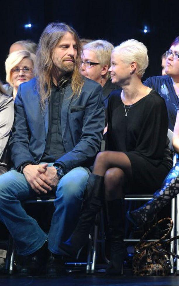 Jone Nikula ja Hanna Karttunen menivät lauantaina naimisiin.