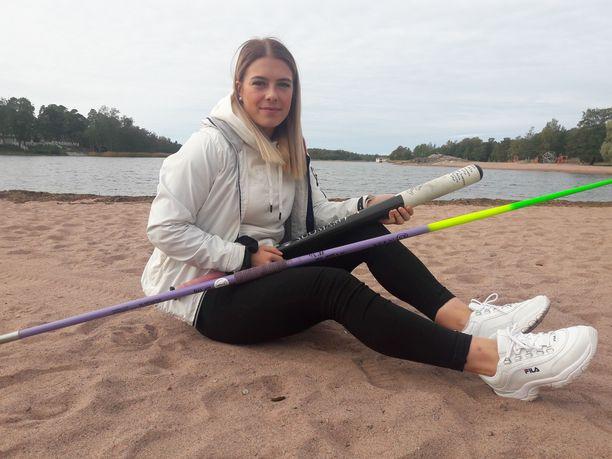 Julia Valtanen on kahden lajin huippulahjakkuus.