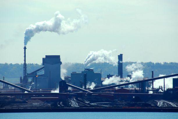 Raportin mukaan siirtyminen uudistuvan energian lähteisiin tulisi tehdä vauhdilla ja volyymilla, jotta lämpeneminen saatasiin kuriin.