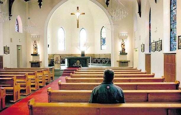 Monen on vaikea päättää ehdokkaansa seurakuntavaaleissa.