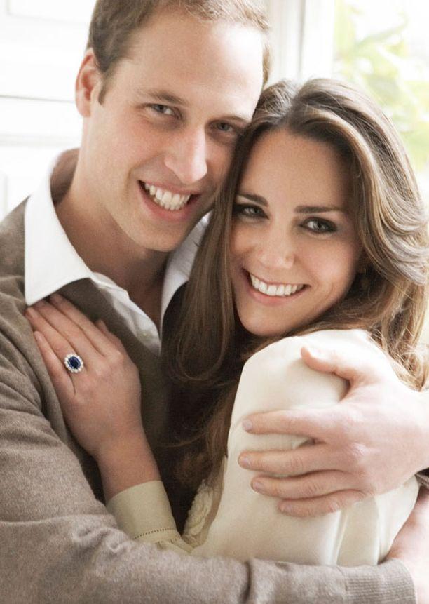 Prinssi William ja Kate Middleton avioituvat huhtikuussa.