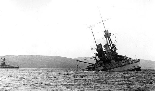 Saksalaiset kerkisivät upottaa yli 50 sotalaivaa,
