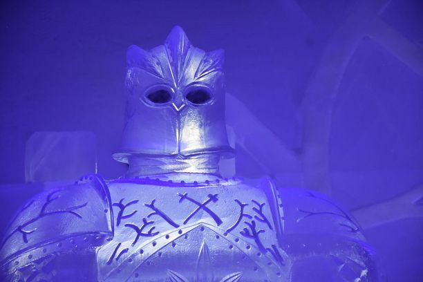 Gregor Clegane on jääveistoksenakin vaikuttava ilmestys.