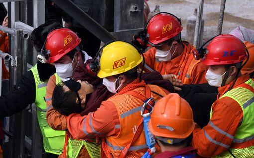 Pelastajat saivat 11 loukkuun jäänyttä ulos kiinalaiskaivoksesta – muut voivat joutua odottamaan toiset kaksi viikkoa
