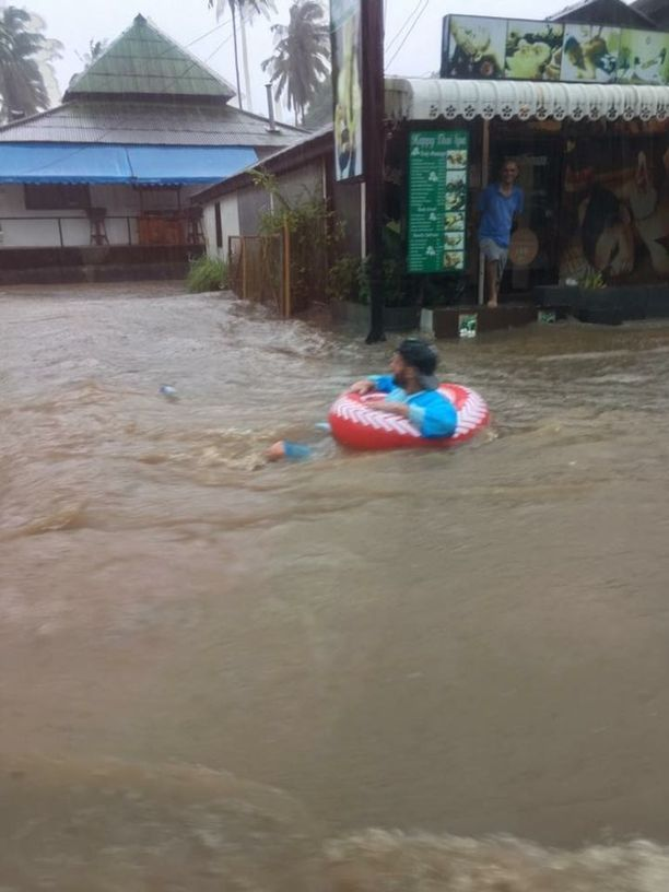 Fitzpatrick kertoo, että ei ole koskaan ennen todistanut Thaimaassa vastaavaa sadetta ja tulvaa.
