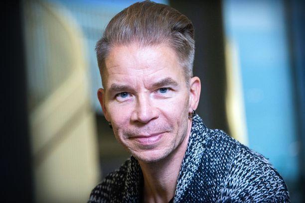 Ville Pusa löi itsensä Hype-musikaalissa  vuonna 1994.