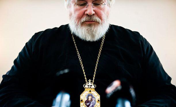 Arkkipiispa muistuttaa, ettÀ pappeus ja avioliitto ovat sakramentteja eli pyhiÀ toimituksia koko ortodoksisessa maailmassa.