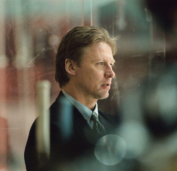 Ilkka Sinisalo pelasi NHL:ssä yli 600 ottelua.