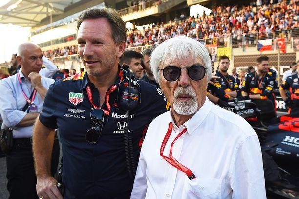 Red Bullin tallipäällikkö Christian Horner vasemmalla ja Bernie Ecclestone oikealla.