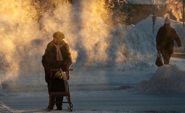 Uusi vuosi alkaa pakkasilla. Kuva vuodelta 2012, jolloin Kuusamossa mitattiin helmikuun alussa -38,7 astetta.