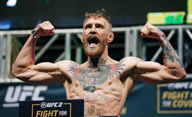 Conor McGregorin nyrkki heilahti jo ennen ottelua.
