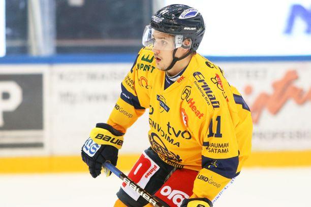 Tarmo Reunanen urakoi muhkeat minuutit, kun Lukko voitti lauantaina TPS:n luvuin 5–1.
