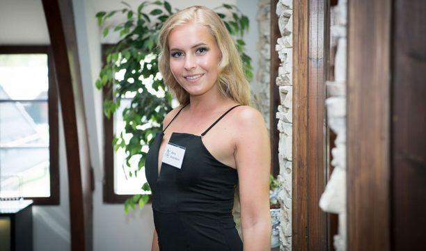 Alina Voronkova 170cm, 58kg, 86-65-96.