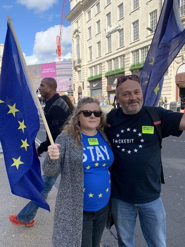 Vanessa ja Steve haluaisivat, että Britannia jäisi EU:hun ja asiasta järjestettäisiin toinen kansanäänestys.