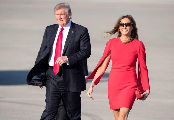 Melania Trumpin odotetaan muuttavan Valkoiseen taloon Donald Trumpin luo poikansa kouluvuoden päätyttyä.