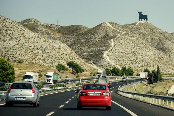 Näitä härkäveistoksia löytyy teiden varsilta eri puolilta Espanjaa. Tällä hetkellä niitä on noin 90.