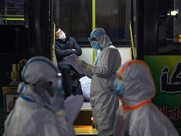 Kiinassa on todettu yli 31 000 koronavirustapausta ja lisäksi 26 000 ihmisen epäillään saaneen tartunnan.