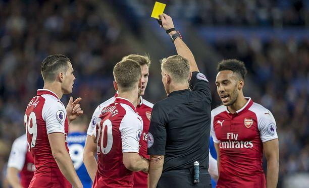Arsenal keräsi kortteja vaan ei pisteitä.