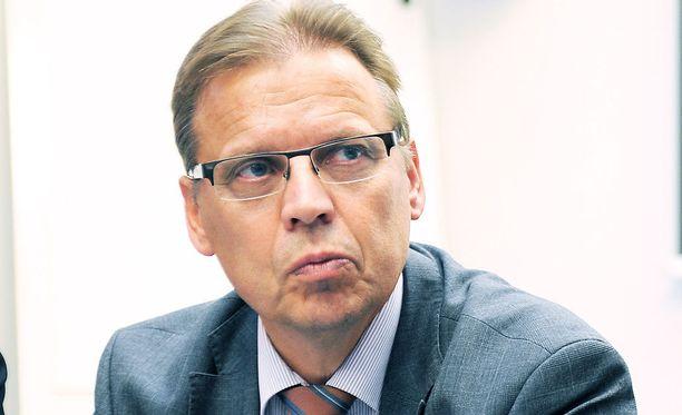 Lauri Lyly ei usko sopimuksen syntyyn.