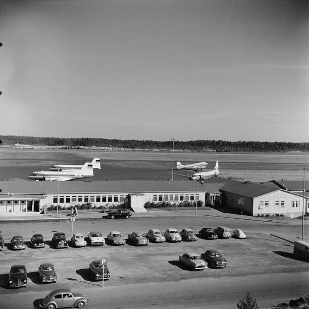 Ilmakuva Helsingin lentoasemasta vuodelta 1959.