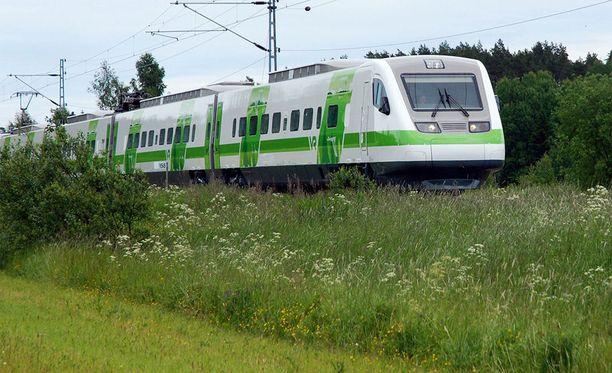 Liikenteenohjausjärjestelmän vika aiheuttaa junaliikenteelle myöhästymisiä Tampereen ja Seinäjoen välillä.