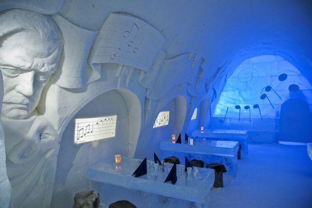 Kemin lumilinnassa näkyy tänä talvena suomalaisuus.