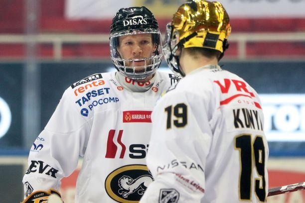 Mika Pyörälä ja Cody Kunyk ovat Kärppien kaksi parasta pistemiestä.