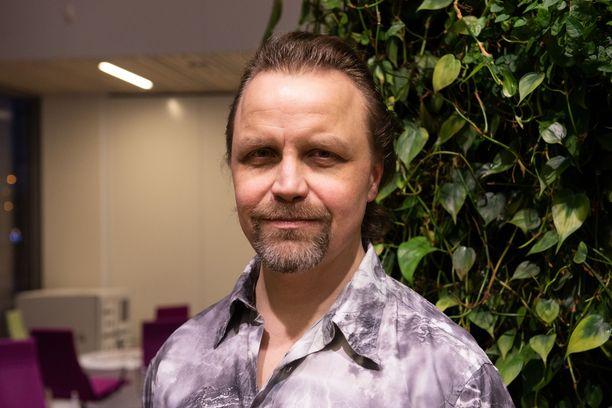 Jani Volanen, 47, tunnetaan esimerkiksi elokuvista Jättiläinen ja Ilosia aikoja, Mielensäpahoittaja.