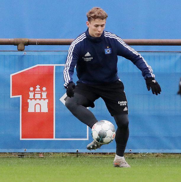 19-vuotias Anssi Suhonen on harjoitellut HSV:n edustusjoukkueessa.