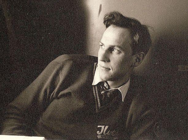 Aarne Honkavaara kuvattuna Itävallassa vuonna 1951.